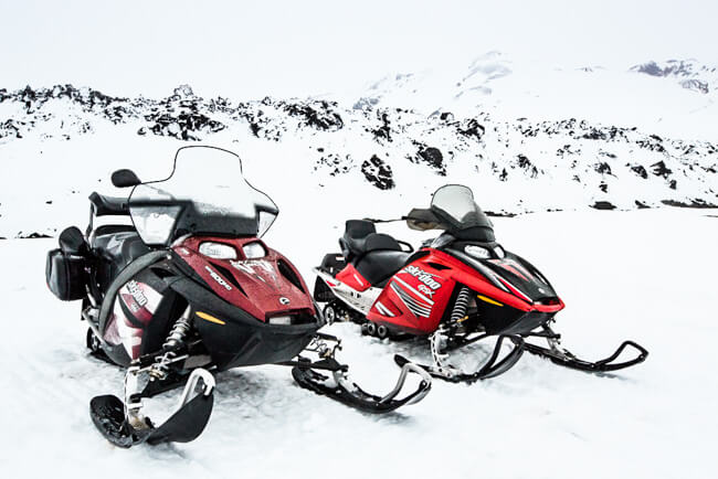 Landmannalaugar snow scooters super jeep winter highlands
