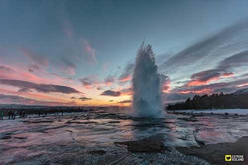 黄金圈经典游,迷你小巴,黄金圈,极光,辛格维利尔,盖歇尔,间歇泉,黄金瀑布,居德瀑布,冰岛团,迷你小巴团,冰岛景点,来冰岛去哪,冬季团