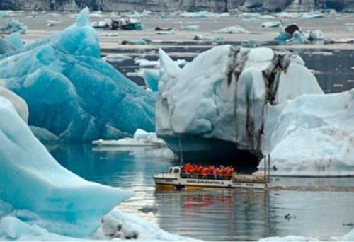 杰古沙龙冰湖,冰岛冰湖团,冰川徒步,杰古沙龙住宿,冰湖游船,冰岛超级吉普团,极致冰岛团