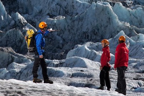 冰岛冰川徒步雷克雅未出发